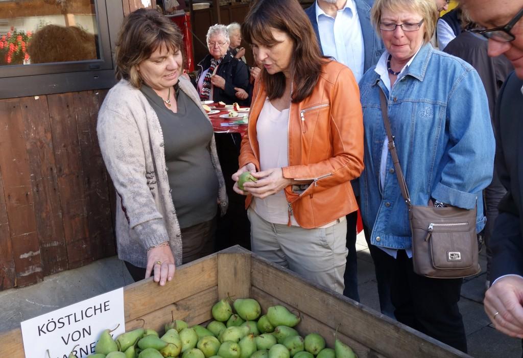 Mechthild Heil, hier bei den Tagen der offenen Höfe in Gelsdorf, freut sich über die verbesserte Förderung des ländlichen Raumes.