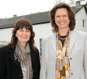 Mechthild Heil mit Ilse Aigner.